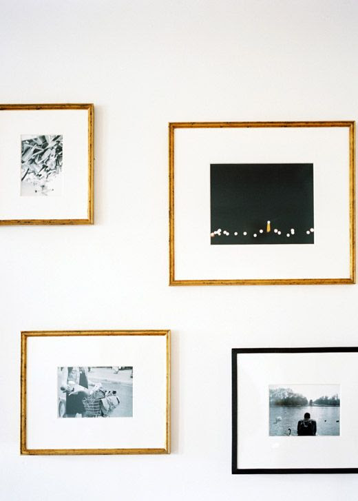 LE FASHION BLOG INTERIOR HOME POST BROOKLYN APARTMENT BRYN SANDERS ARNEL ANDRADA MICHELLE ADAMS PATRICK CLINE SMALL SPACE LONNY MAGAZINE RESTORATION HARDWARE BLACK FRAMES GOLD FRAMES WALL ART FRAMED PHOTOS PHOTOGRAPHS 8 photo LEFASHIONBLOGINTERIORHOMEPOSTBROOKLYNSMALLSPACE8.jpg