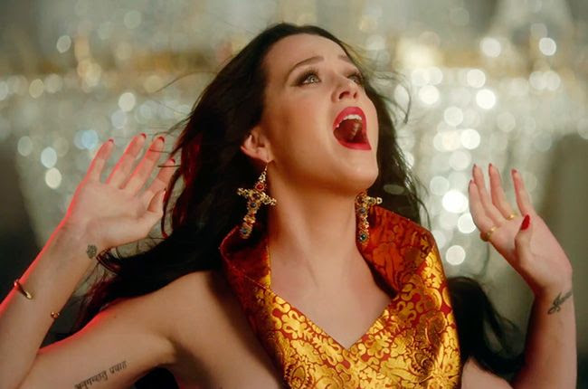 Katy Perry : Unconditionally (Video) photo katy-perry-unconditionally-video-650-430b.jpg