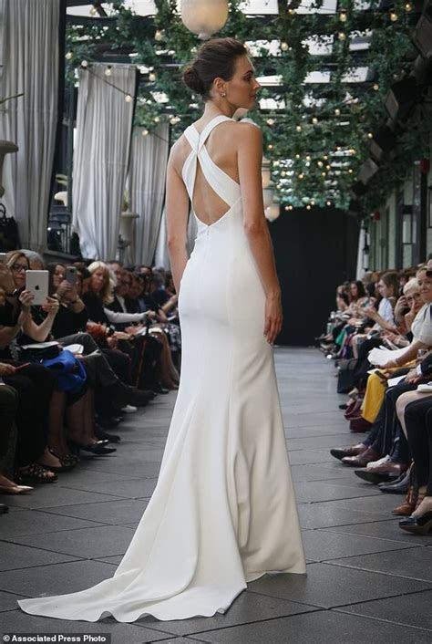 A somber close to the bridal fashion career of Amsale