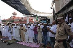 Mumbai Police And The Essence Of Peace Hope Harmony by firoze shakir photographerno1