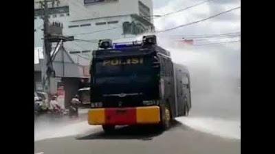 Polri Bergerak Serentak Penyemprotan Disinfektan