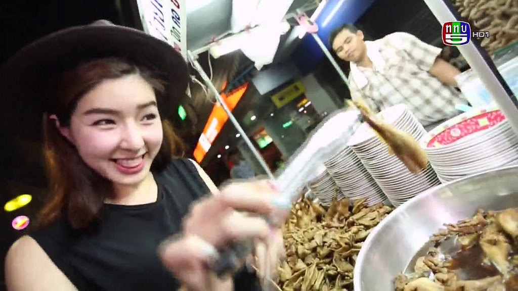 Liked on YouTube: ตลาดสดสนามเป้าล่าสุด จียอน ¼ 25 ตุลาคม 2558 ย้อนหลัง TaladsodSanampao youtu.be/e8k1FUyqWlM