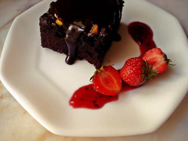 olive oil chocolate cake w/olive oil ganache