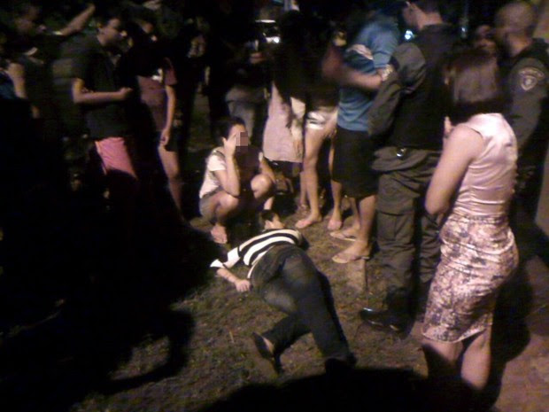 Passageira se jogou de ônibus para fugir de assalto e passou mais de três horas a espera da Samu (Foto: Polícia / Divulgação)