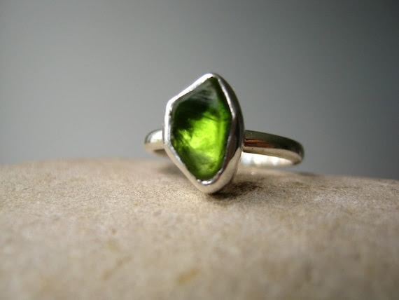 Custom Select your Rough Peridot - Ring in Sterling silver - Tower Ring