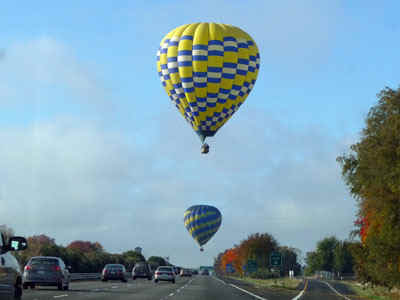 balloons.jpg (43452 bytes)