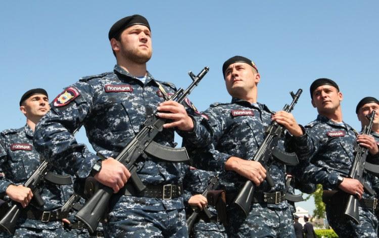 Полиция Чечни на параде. Фото RIA Novosti/Scanpix