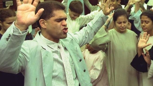 Marcos pereira num culto em 1998