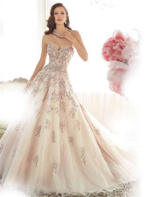 Ball Gown Wedding Dress with Sweetheart Neckline
