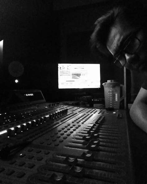 Bio - Burtt See - RE-RECORDING MIXER & SOUND DESIGNER