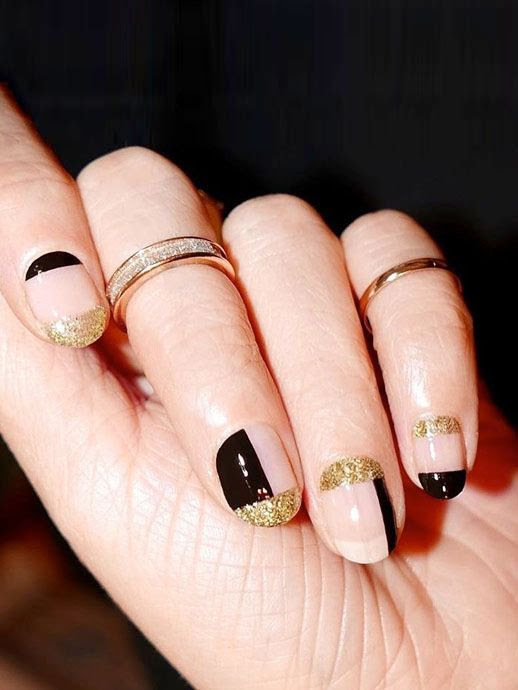 Le Fashion Blog Nail Art Black And Gold Glitter Colorblock Manicure Sparkling Rings Via @aliciatnails