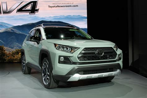 toyota rav suv preview class leading fuel