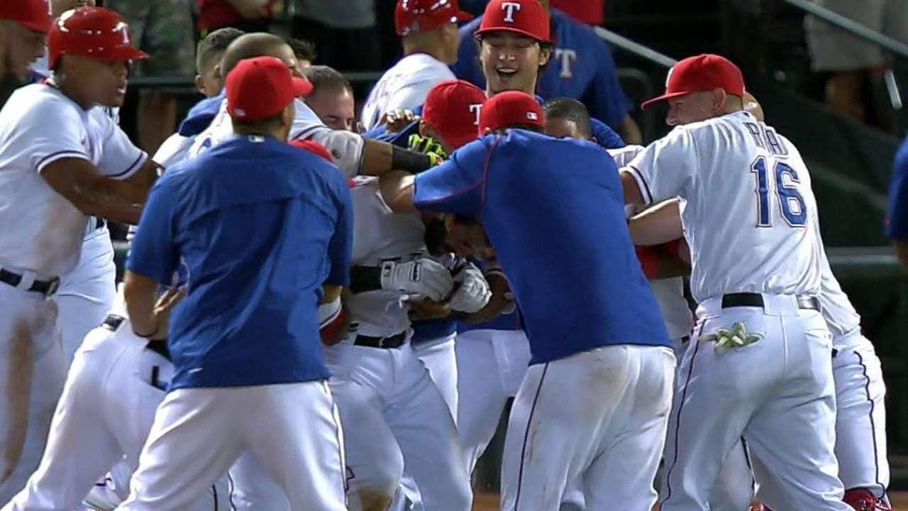 Rangers destronan a Astros y se trepan a la cima