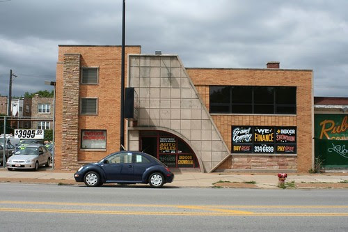 Auto sales store, Western Avenue
