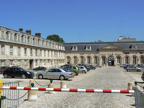 les écuries de la Reine, Versailles.jpg