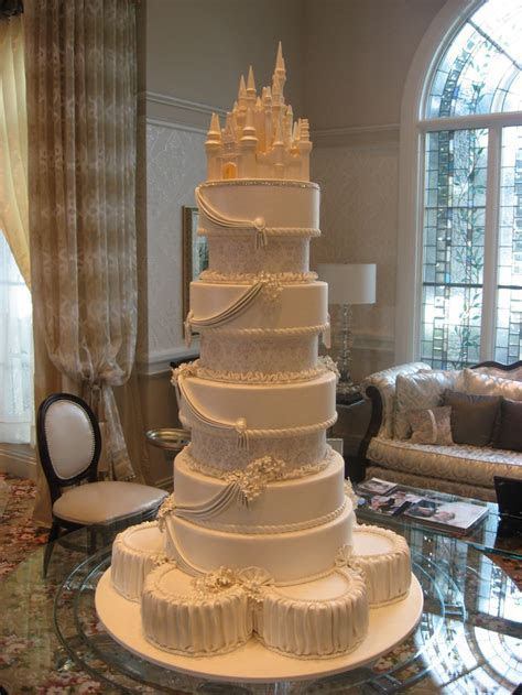 61 best images about Castle Wedding Cakes on Pinterest