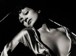 Conchita apareció desnuda en la cinta 'La mujer y el pelele'. / Foto: estrellasdelcineespanol.blogspot.com.es