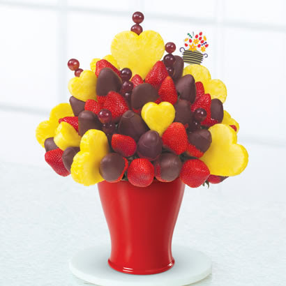 Edible Arrangements® fruit baskets - Hearts & Berries® Dipped ...