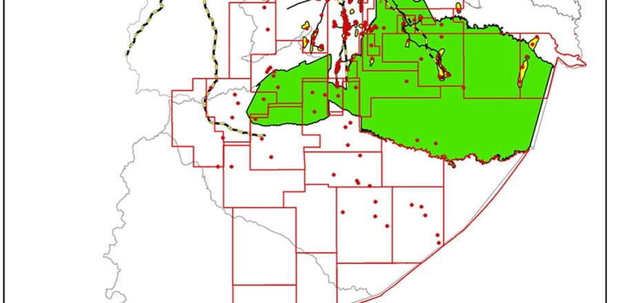 Fig. 1 -  Yasuní Biosphere Reserve and Zona Intangible Tagaeri Taromenane (ZITT): geographical framework. Oil production in the Ecuadorian Amazon Region (9th concession licensing round, 2001).