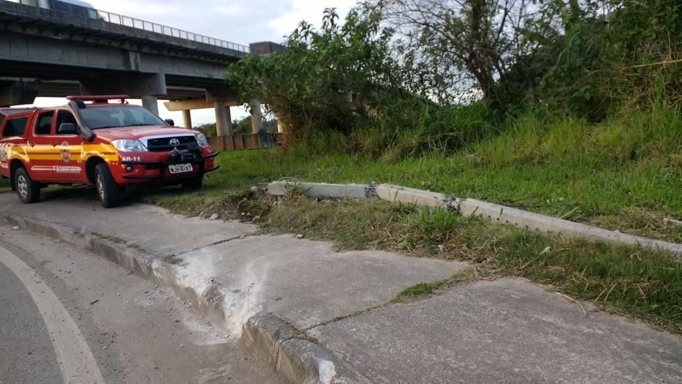 Marcas foram encontradas na marginal da BR-101, entre Itajaí e Navegantes (Foto: Bianca Ingletto/RBS TV)