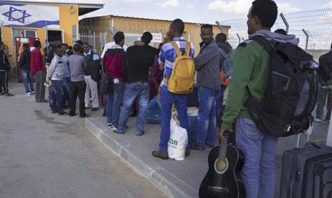 Το Ισραήλ απελαύνει Αφρικανούς λαθρομετανάστες