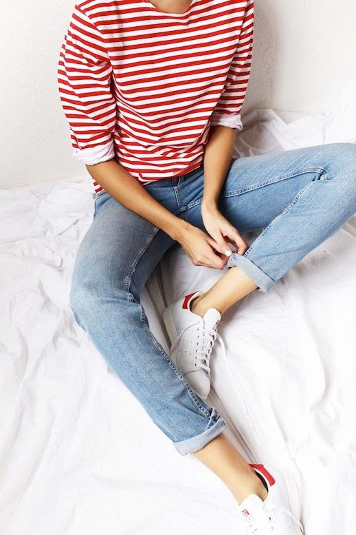 Le Fashion Blog Blogger Style Weekend Look Red And White Striped Tee Skinny Boyfriend Jeans Adidas Stan Smith Sneakers Via @Connectedtofashion