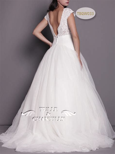 backless wedding dresses   Tulle & Chantilly Wedding Blog