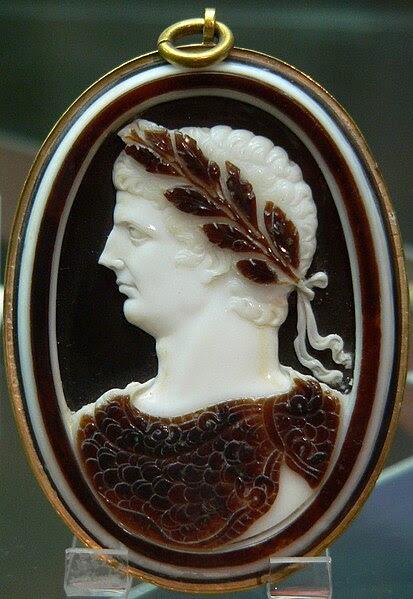File:Cameo Claudius Cdm Paris Chab220.jpg