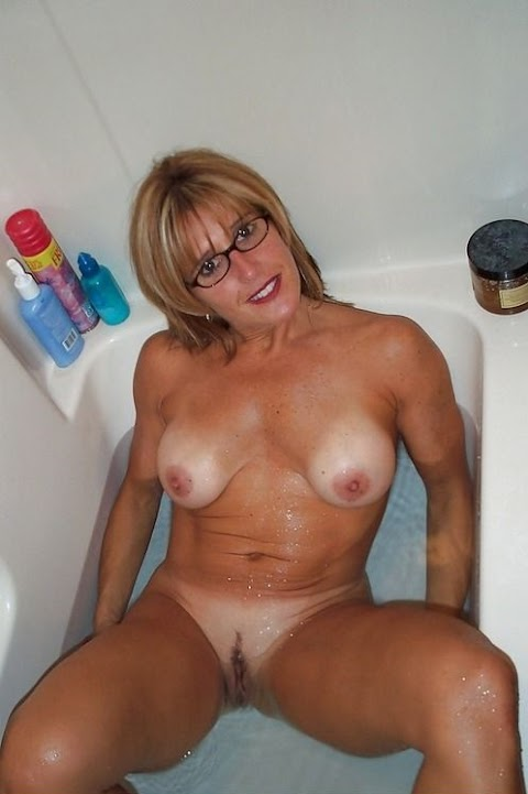 Fit Mom Nude Pics (@Tumblr) | Top 12 Hottest