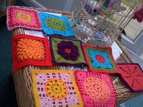 Look at these Sunny Squares! Just right for our Challenge! Do you want to take part in our Challenge? Please see below! You are most welcome to join our group!