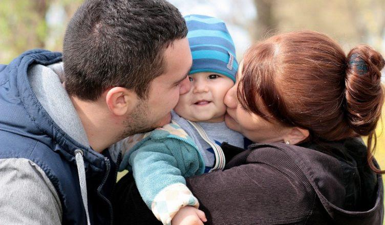 Los Beneficios Del Abrazo Para Los Niños