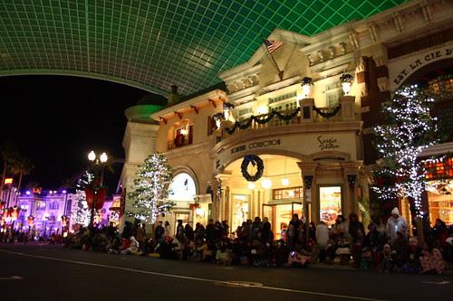 Waiting for Magical Starlight Parade at Universal Studio Japan.