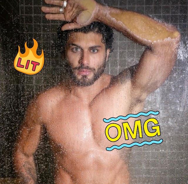 Jesus Luz enchendo nossos olhos com novas fotos sensuais no banho