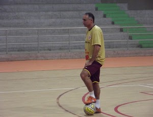 Udenis Oliveira, técnico da equipe de futsal do América-RN (Foto: Jocaff Souza)