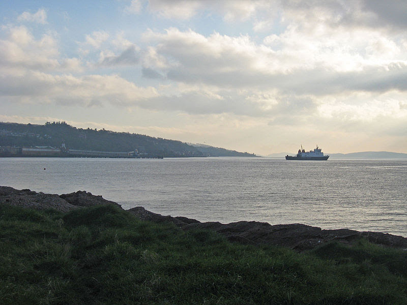 File:111115-pier-from-Wemyss-Bay-Road.jpg