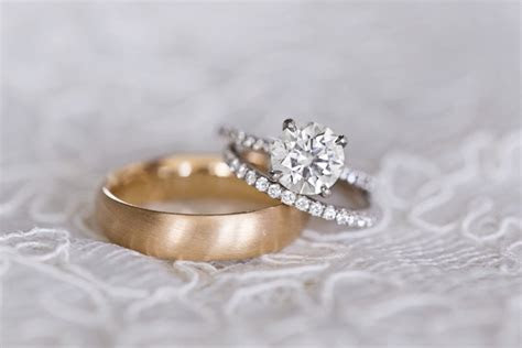 Engagement Rings: Solitaire and Round Cut Diamonds
