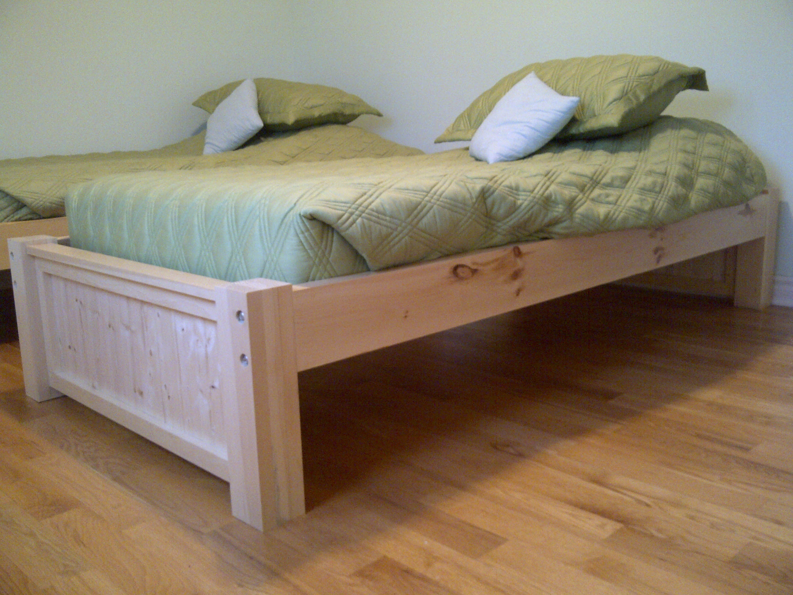 jim: useful woodworking plans twin bed