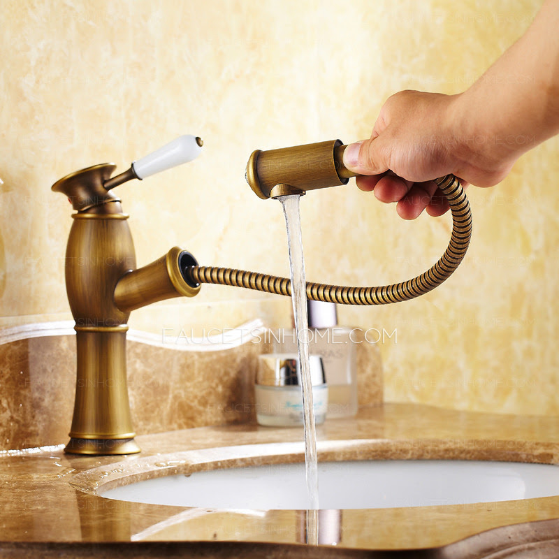 Antique Brass Brushed Single Hole Bathroom Faucet With Pullout Spray
