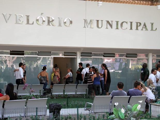 Velório em São José dos Campos (Foto: Carlos Santos/ G1)