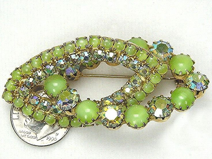 Gorgeous Kiwi Green Entwined Ovals Brooch Juliana