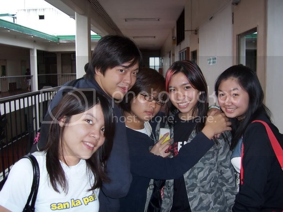From left: Caresse, Martin, Malia, Jill and Jackie. Image hosted by Photobucket