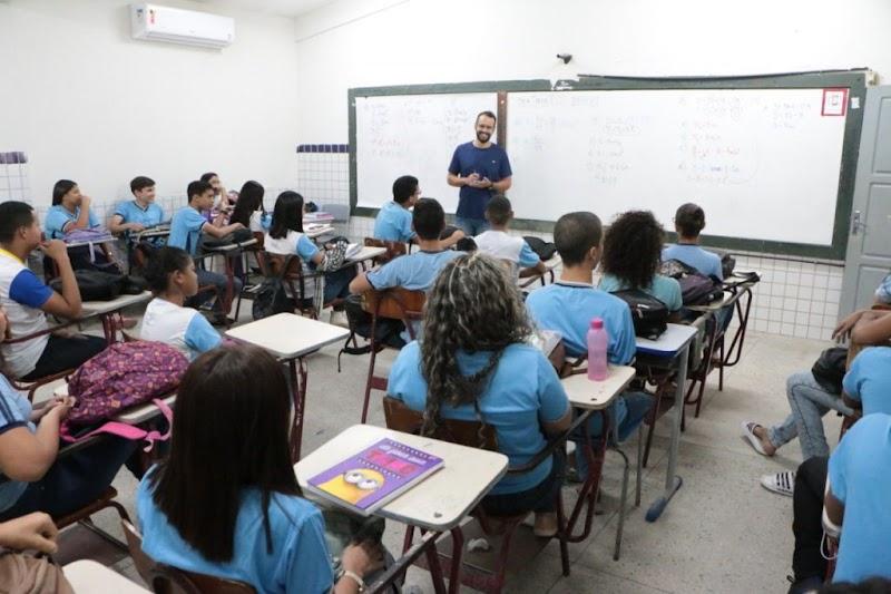 Governo do RN oficializa suspensão das aulas presenciais na rede pública em 2020