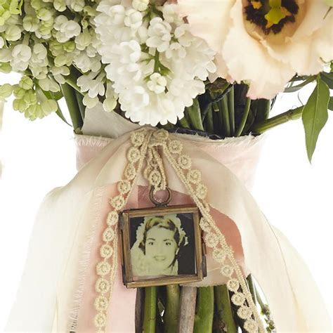 Tiny Photo Frame For Wedding Bouquet ? The Wedding of My