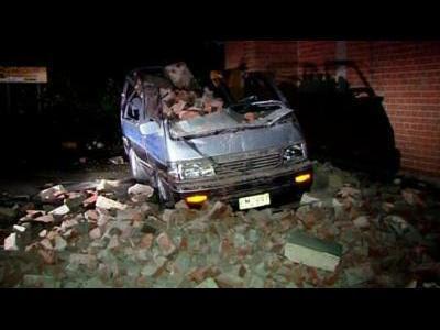 Powerful quake rocks New Zealand