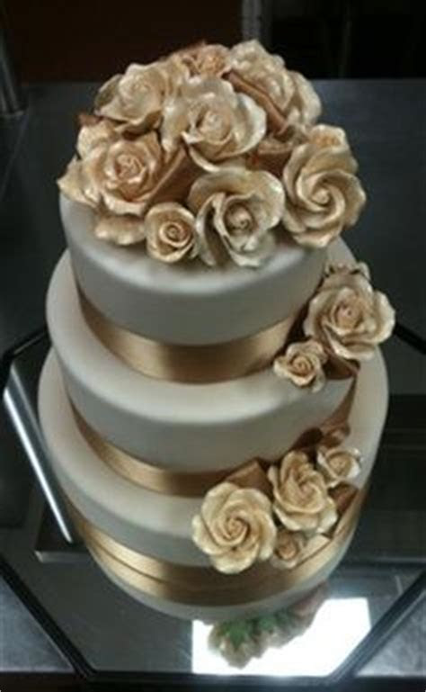 1000  images about Burgundy gold cake on Pinterest