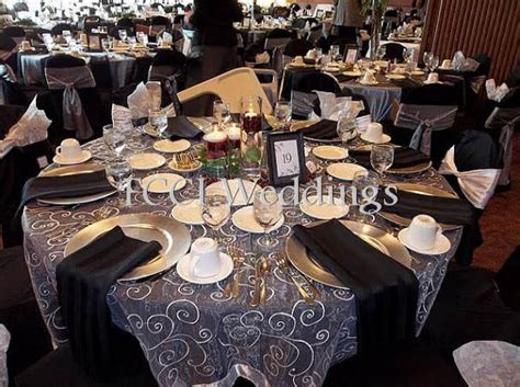 Beautiful black and silver decor for your wedding