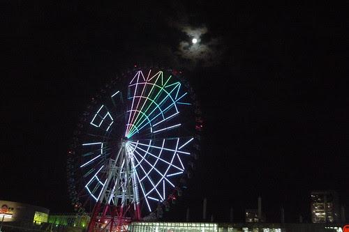 Moonlight over the Odaiba ferris wheel