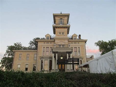 Venue   Renwick Mansion, Davenport, Iowa   Vows Iowa