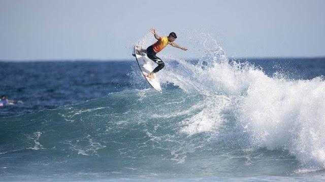 Gabriel Medina é tricampeão do Circuito Mundial de surfe