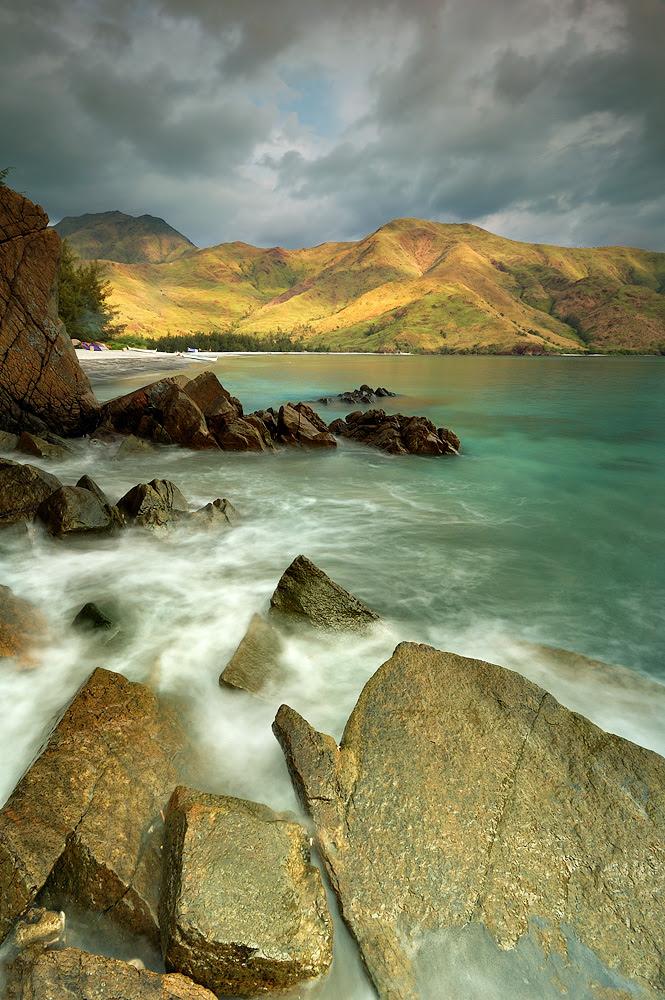 Nagsasa Cove: Late Afternoon at the Rocks